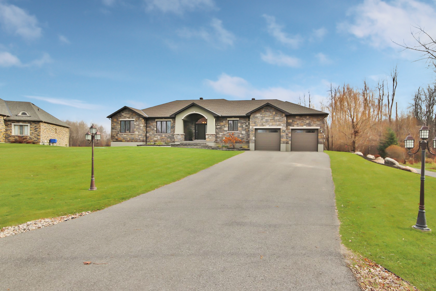 6742 Suncrest Drive, Greely, ON