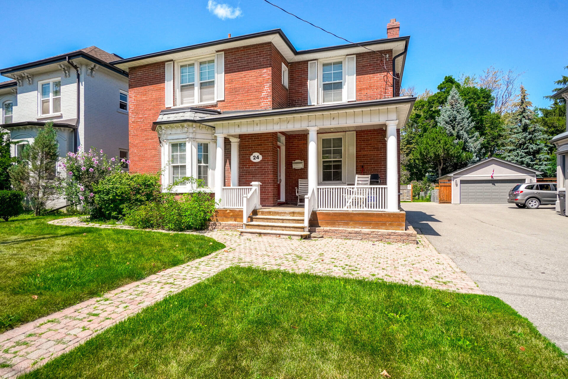 Big Lot Size Detached House For Sale in Brampton Downtown!